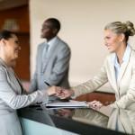Opmars vrouwen in hospitality